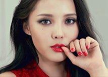 HyunA 的红唇妆