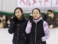 花滑姐妹花变身最美教练 浅田真央退役办学校
