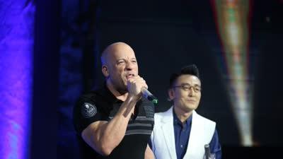速7主演中国电视首秀 范·迪塞尔飙泪忆保罗