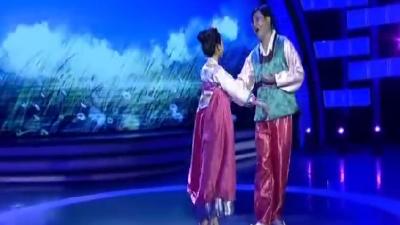 小美女歌唱爸爸的祝福 民族风情感染全场