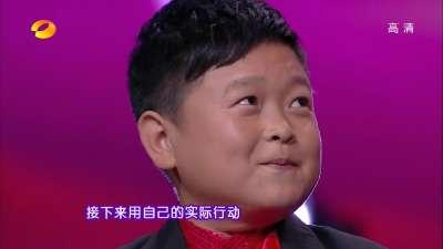 """狂拽炫机修师""""冲上云霄"""" 霹雳舞农民为梦坚守30年"""