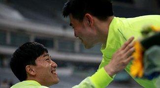 上海钻石赛谢文骏13秒23夺冠 刘翔微笑鼓掌