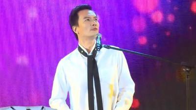 李泉现身《蒙面歌王》发布会 称不后悔未迎合观众