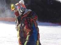 暖男也爱玩滑雪 郑容和雪场炫技实力不凡