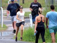 丹麦王妃着汗衫户外跑步 青春靓丽彰显无遗