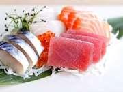最新鲜的刺身是这么来的 冲绳街头美食之旅