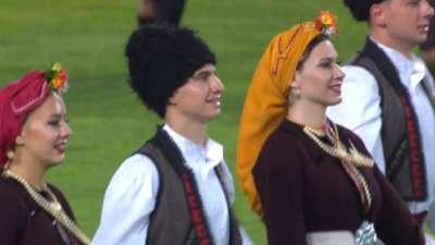 足球下乡!超级杯开幕式刮民族风 马其顿舞蹈亮眼