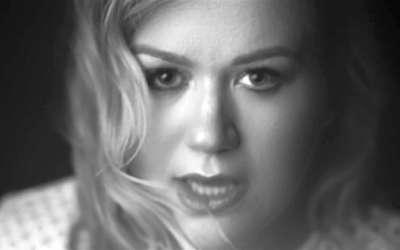 2017年第59届格莱美奖提名:最佳摇滚表现 Kelly Clarkson /Piece By Piece