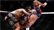 UFC-科米尔裸绞降服约翰逊 复仇夺回金腰带