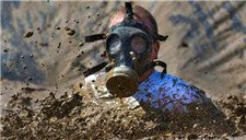 法国泥浆跑疑遭污染 上千人感染病毒病倒