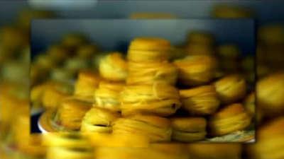 盘丝饼外焦里嫩可口 刘明磊的蚝门盛焰
