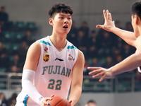 王哲林弃NBA选秀原因曝光 知情人:他认为实力不够