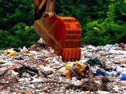 《调查》20160716:上海万吨垃圾偷倒太湖 太湖水样暂时没有污染