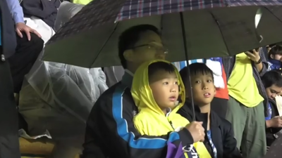富力TV:雨战绝杀取胜 因为富力风雨同路