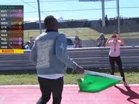 博尔特炫酷挥动绿旗 F1美国站暖胎圈正式开始