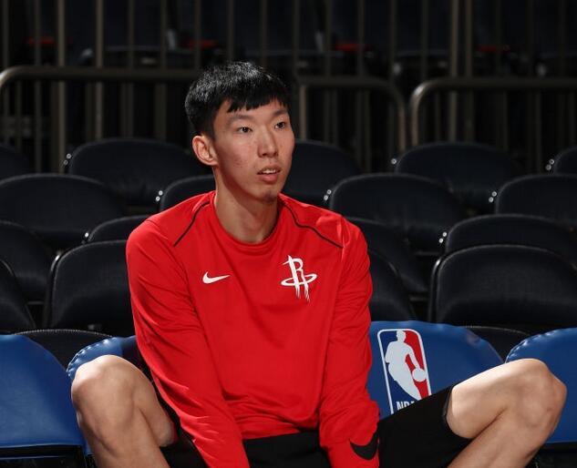 火箭从发展联盟召回周琦 将缺席今日对篮网比赛
