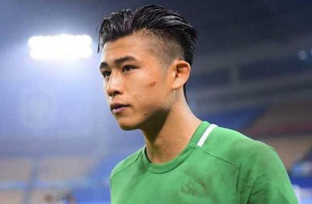 张玉宁全运会冠军梦碎了,里皮没招他踢最后两轮对了!