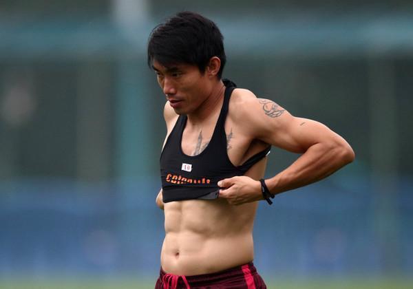 """中国足坛""""最强壮""""的球员 一人身材可比c罗-足坛聚焦 中国足球图片"""