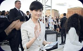 李宇春首次现身纽约时装周