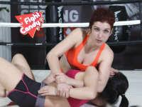 《Fight Candy》第28期:金发娇娃大秀事业线