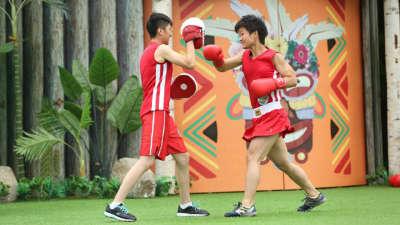 拳击小子亚洲一号闯一闯 女队员们气势如虹