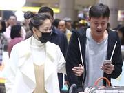 37岁陈乔恩单纯灿烂似少女 原来是因为有他宠着