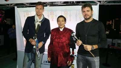 上海大师赛-瓦林卡伯蒂奇体验皮影戏 演绎别样网球对决