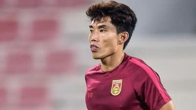 国足VS卡塔尔首发:郑智压阵中场 郜林肖智领衔锋线