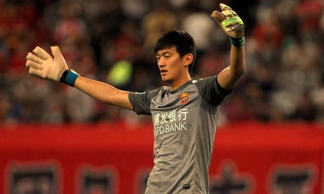 中国足球历届守门员_中国足球四大门将特点分析:一人未来可期,一人悬了!