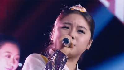 美容店老板深情演唱《娜鲁湾情歌》  幼儿教师嗓音独特