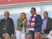 【最佳时刻】69岁施瓦辛格现身安联观战拜仁