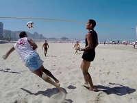 将足球融入血液 看看巴西民众是如何踢球的