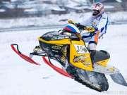 白雪皑皑 任你驰骋 摩托雪橇我们走