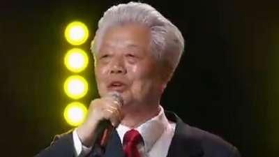 老清华合唱团《我爱你中国》引全场大合唱