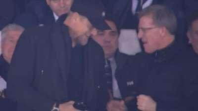 小舒梅切尔成点球煞神!老爸看台兴奋站起鼓掌