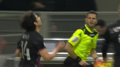 拉帕杜拉灵性后脚跟直塞 费尔南德斯推射获首球