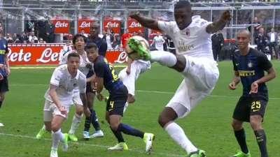 读秒进球! 哥伦比亚铁卫补时抢点扳平比分 张康阳气炸了
