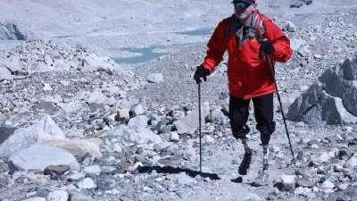 无腿勇士夏伯渝:41年4次挑战珠峰 明年想再次尝试