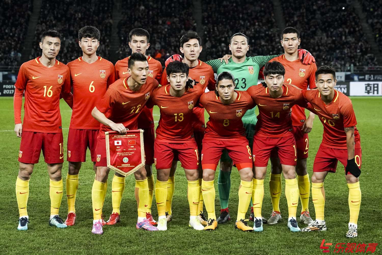 带领中国国家足球队打入 02 年世界杯的外籍主教练是哪一位