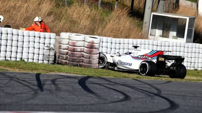 汉密尔顿为斯托尔辩护 现在的赛车难控制