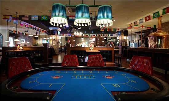 德州扑克:打牌需要整体考虑