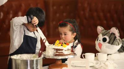 杨阳洋上街霸气护妹 王子感慨当哥哥不容易