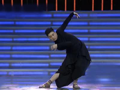 """《非你莫属》20160313:天津小伙大跳""""孔雀舞"""" 读三十本育儿书性格收敛"""