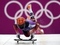 """真正的""""趴体""""运动 俯式冰橇驾驶技术探究"""