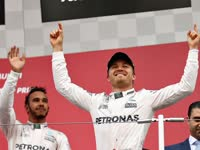 F1日本站赛后颁奖:奔驰提前卫冕车队总冠军
