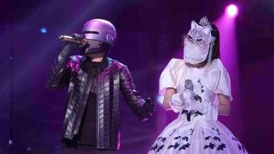 蒙面舞台首次双揭面 瓜子猫被观众保送进盛典