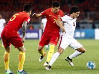 【片段】卡塔尔开场角球造威胁 塞巴斯蒂安险些打破僵局