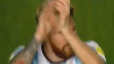 梅西再次征服阿根廷 赛后接受欢呼鼓掌回敬球迷