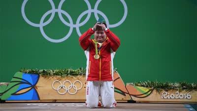 拿银牌都是失败 女举总教练:若丢金不敢回国