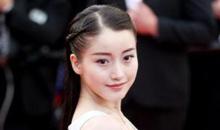 姜贞羽戛纳处女红毯秀